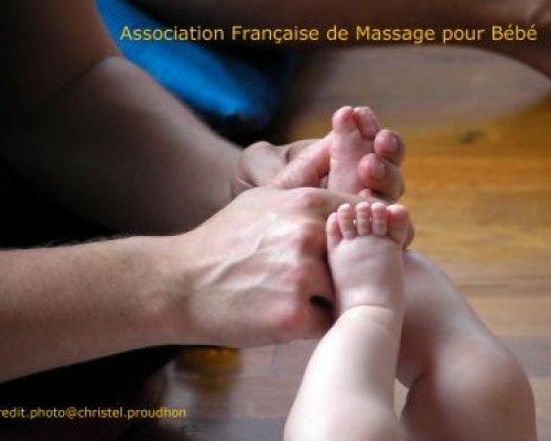 Devenir instructeur de massage pour bébé